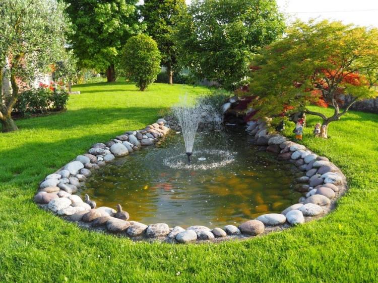 Laghetti da giardino un quadrato di giardino forum giardinaggio quadrato cascate pietra - Laghetti da giardino ...